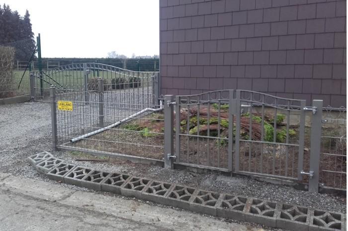 Les avantages de poser une clôture de jardin en treillis rigides